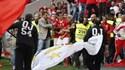 Adeptos não largavam Jonas nos festejos e os stewards tiveram de intervir