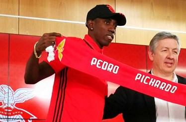 Benfica contrata 4.º melhor triplista da história