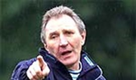 Howard Wilkinson é o novo treinador do Sunderland
