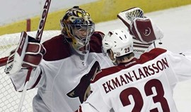 NHL: Phoenix Coyotes eliminam Chicago Blackhawks