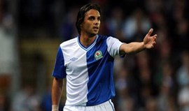 Nuno Gomes no banco na derrota do Blackburn