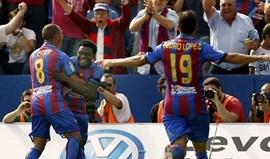 Obafemi Martins dá triunfo ao Levante no dérbi valenciano