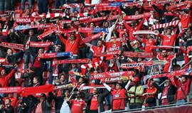 Hino do Benfica transportou Luz para o relvado do Arena