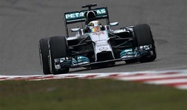 Lewis Hamilton vence GP China