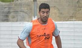 Carlos Saleiro assina por uma temporada