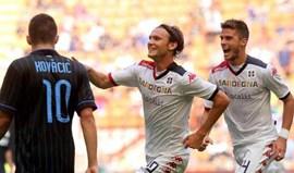 Cagliari humilha Inter em San Siro (1-4)