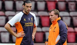 Andy Carroll arrasa Brendan Rodgers