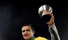 China: Tim Cahill assina pelo Shanghai Shenhua