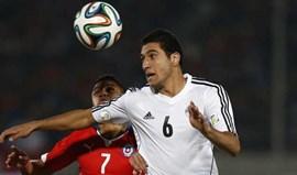 Egito vence com Rabia no onze
