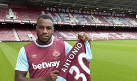 Michail Antonio assina pelo West Ham