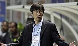 Den Haag: Gao Hongbo é o primeiro chinês a treinar na Europa