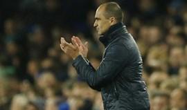 Roberto Martínez não quer saber das propostas do Chelsea