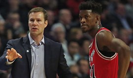 Bulls arrasam Lakers em Los Angeles