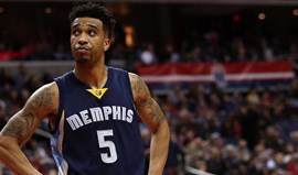 Hornets contratam Courtney Lee aos Grizzlies num acordo tripartido