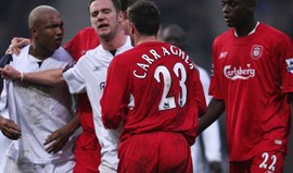 Diouf: «Carragher é um m..... e que Gerrard assassinou o Liverpool»