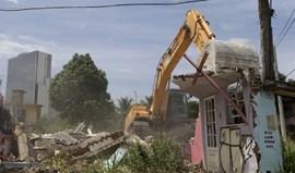 Destruição de favela gera polémica no Rio de Janeiro