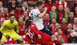 Liverpool trava Tottenham e Leicester pode fugir
