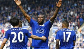 Central do Leicester desconfiou do árbitro auxiliar