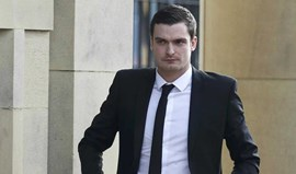 Adam Johnson recorre da sentença de prisão por assédio sexual a menor