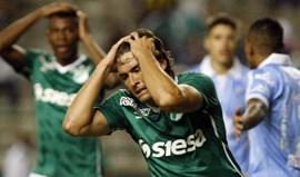 Foi eliminado da Taça Libertadores e justificou-se com o... Benfica