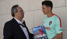 José Fonte vai guardar o Guia Record Euro'2016