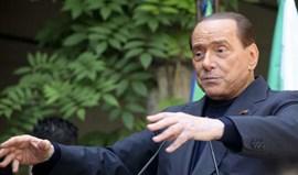 Berlusconi mantém-se na presidência do AC Milan 'chinês'