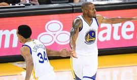 Banco dos Warriors arrasou Cavaliers no arranque da grande final