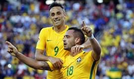 Jonas faz uma assistência na goleada do Brasil