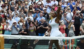 Serena Williams segue fácil para os oitavos de final