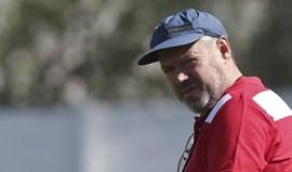 Álvaro Magalhães pede respeito no arranque dos treinos
