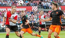 Valencia derrotado pelo Feyenoord no terceiro jogo de preparação