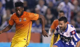 Barcelona rescinde com Alex Song