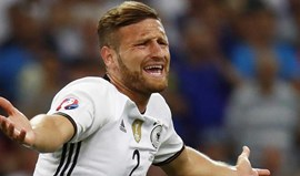 Arsenal leva nega do Valencia por Mustafi