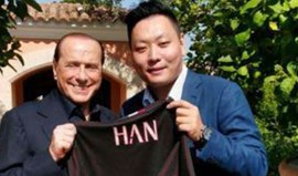 Berlusconi concretiza venda do AC Milan a grupo chinês
