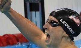 Katie Ledecky conquista ouro nos 400 livres e novo recorde do mundo