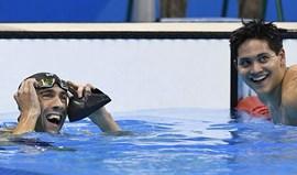 Schooling derrota Phelps na última prova individual da lenda americana em Jogos