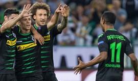 Borussia M'gladbach avança com hat tricks de Thorgan Hazard e Raffael