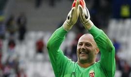 Gábor Király com melhor defesa da época para a UEFA