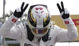 GP Itália: Lewis Hamilton iguala Fangio e Senna