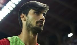 Constantes lesões de André Gomes preocupam Barcelona