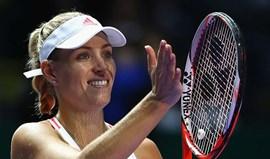 Kerber ganha Grupo Vermelho e ajuda a apurar Cibulkova em Singapura