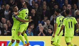 Liverpool vence Crystal Palace e segue na frente com Man. City e Arsenal