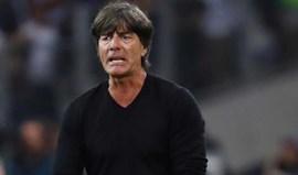 Joachim Löw renova pela seleção alemã até 2020