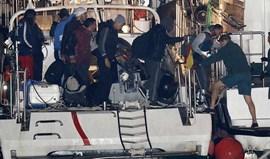 Resgatados 16 imigrantes ao largo de Almería