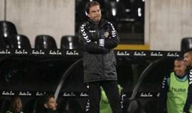 Manuel Machado reparte as culpas da derrota entre a equipa e o trio de arbitragem