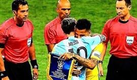A mensagem de Dani Alves que ajudou Messi a superar melhor as críticas