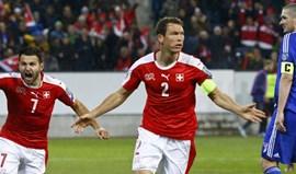 Grupo B: Derdyok e Lichtsteiner dão triunfo à Suíça