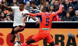Nani marca mas Valencia empata com o último