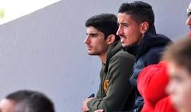 Olhe só quem foi ver os juvenis do Benfica!