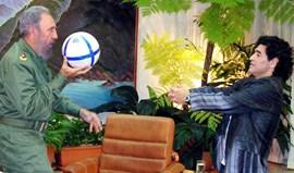 Maradona: «Dói-me o coração porque o mundo perdeu o mais sábio de todos»